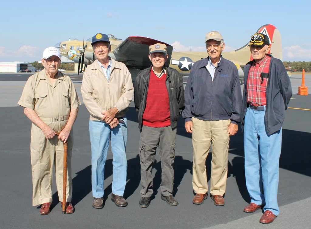Honor Flight Vets on WWII Aircraft Oct 26 ab